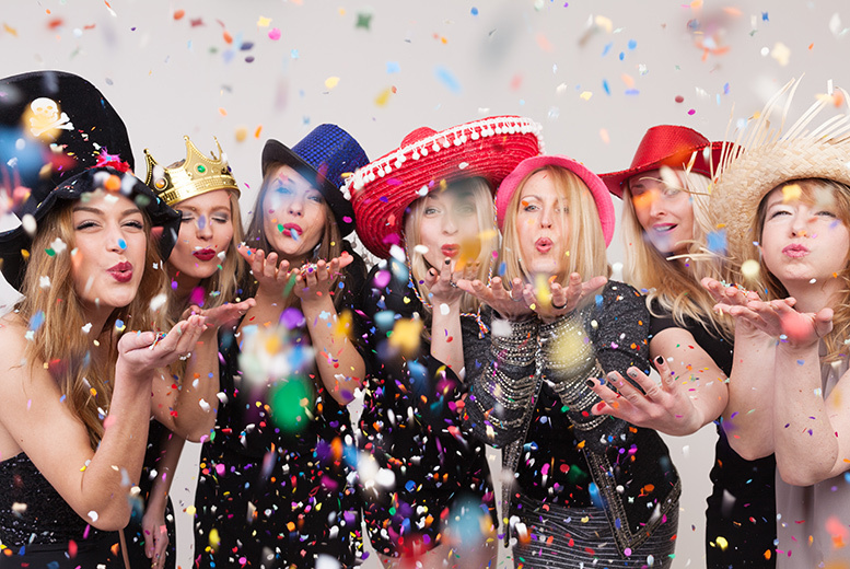 £149 for a three-hour photobooth hire with green screen, props, 'unlimited' prints and a USB of all photos from Bake a Cake Catering - save up to 40%