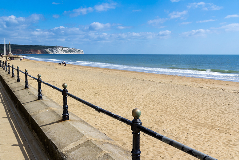 From £79 (at Riviera Park) for a self-catered Isle of Wight apartment stay for 2 people or from £99 for 4 people - save up to 57%