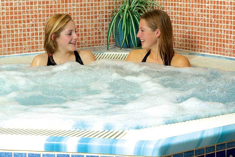 £49 instead of up to £76 for a day of leisure access, 3 30-min treatments & tea or coffee for 1, or £98 for 2, at the Wyndham Garden Grantham Hotel - save up to 36%