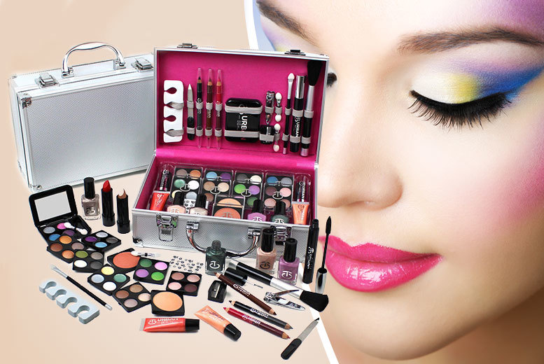 £17.99 instead of £39.99 (from Urban Trading) for an Urban Beauty vanity case and 60-piece makeup set - save 55%