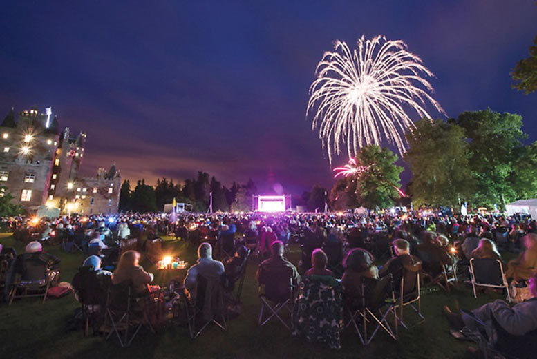 £38 for a ticket to see Elaine Paige, Susan Boyle and more at the Glamis Prom on 18th July 2015, including a souvenir programme, 10% shop discount and castle tour!
