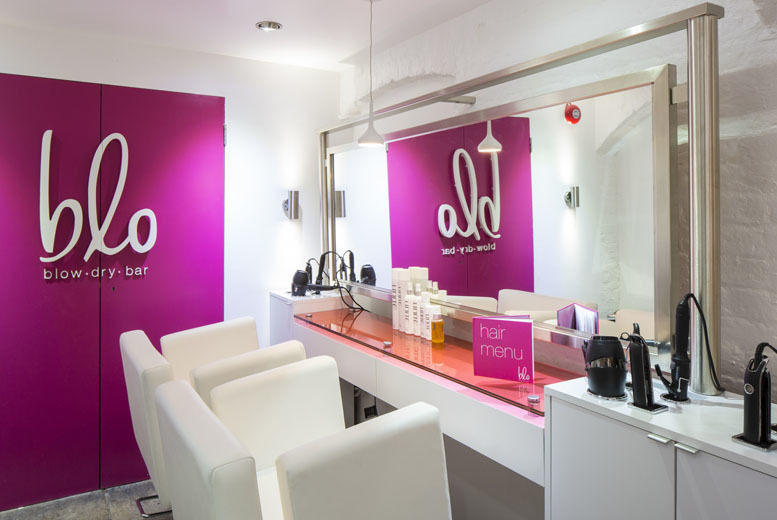 £16 instead of £28 for a 'blo out' blow dry at Gwyneth Paltrow's blow dry bar Blo, Covent Garden - get celeb-worthy hair & save 43%