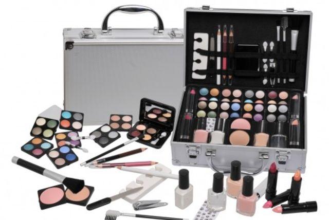 58pc urban beauty vanity case