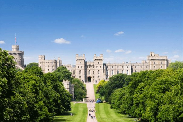 £27 instead of £54 for a tour of Stonehenge, Bath and Windsor with Golden Tours, London - save 50%