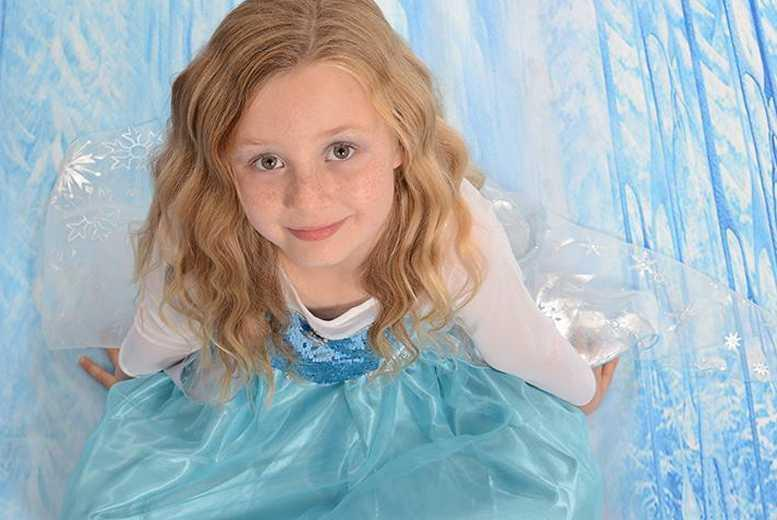 £7.50 for a 1-hour Frozen or Cinderella-themed photoshoot for up to 3 children including 4 prints at Chris Mullane Photography, Chellaston
