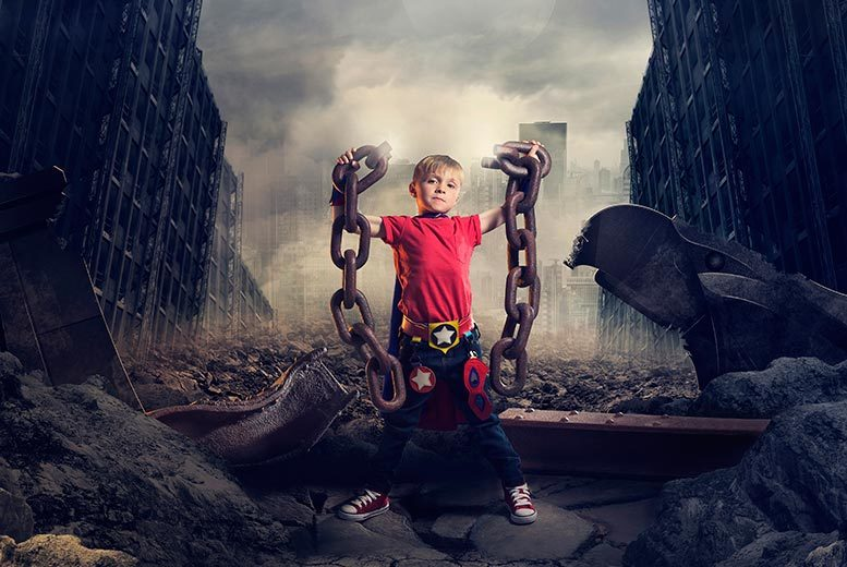 £10 for a mini-superhero photoshoot including a mug and two keyrings at POP! by Mackney, Derby