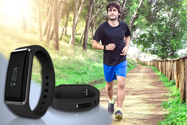 £16.99 instead of £70 for a smart Bluetooth fitness bracelet from Wowcher Direct - save 76%