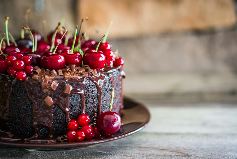 Cake Decorating Classes Greenwich : Wowcher Deal - Greenwich Pantry/?29 instead of ?59 for a cake baking and decorating or sushi ...
