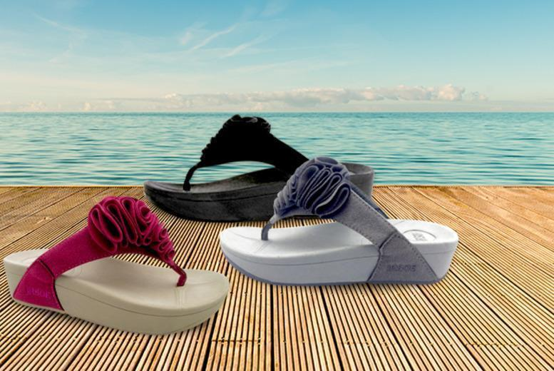 £9.99 instead of £29.99 (from SalonBoxed) for a pair of 'toning' flip flops - choose from pink, black or grey and save 67%