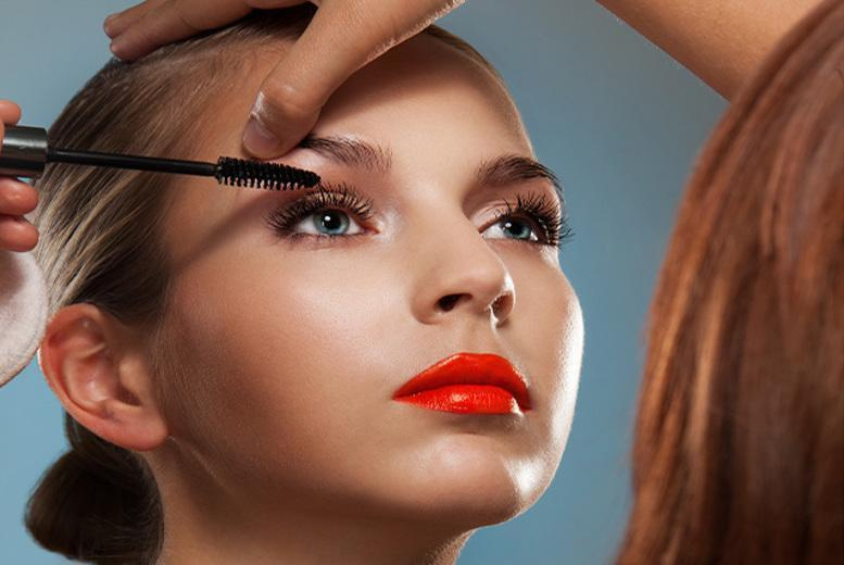£15 instead of £50 for a one-hour private makeup tutorial and a glass of bubbly at CaBella, Nottingham - save 70%