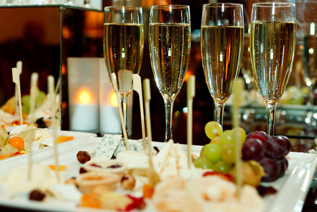 Champagne Amp Canapes For 2 London Wowcher