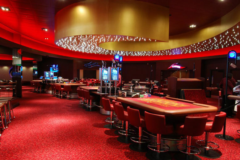 £24 for a 2-course meal & glass of bubbly each, an enhanced bet, betting tuition and event entry at Grosvenor Casino - choose from 3 locations and save 29%