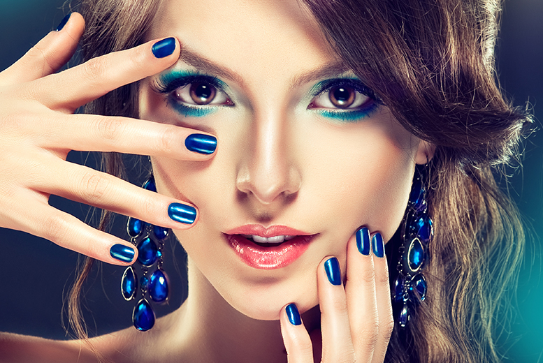 £12 instead of £25 for a Shellac manicure, or £18 for a Shellac manicure and pedicure at USA Star Nails, Battersea - save up to 52%