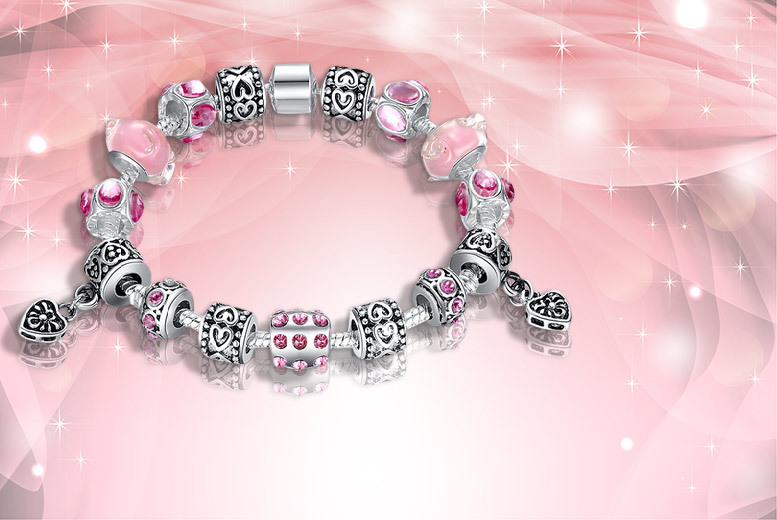 £9 instead of £49.99 (from Fakurma) for a Murano glass and crystal charm bracelet in a choice - choose from four colours and save 82%