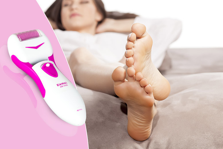 £7.99 instead of £29.99 (from SalonBoxed) for a professional pedi roller, £11.98 with two replacement heads, £13.97 with two heads and four AA batteries  - save up to 73%