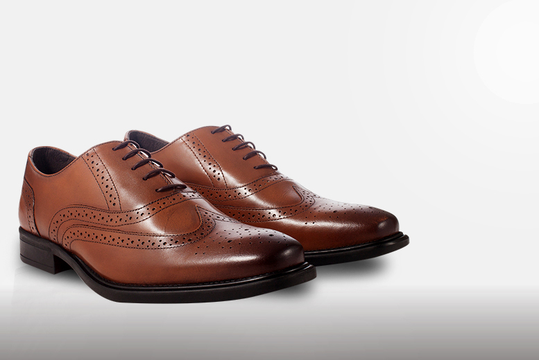 £29.95 instead of £120 for a pair of men's leather brogues - choose from three colours in sizes 7-12 and save 75%