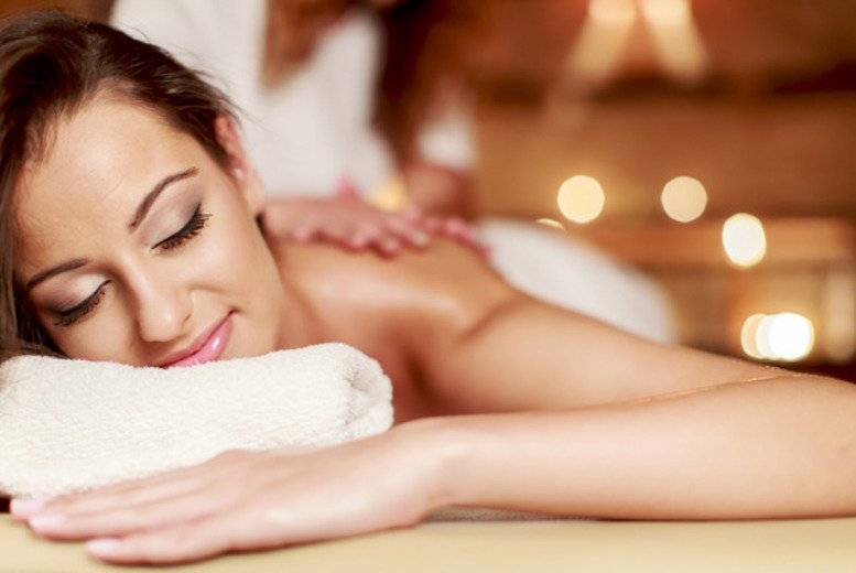 £14 instead of £50 for a 60-minute full body exfoliation followed by a hot oil massage including lemongrass tea at Healing Touch Academy, Nottingham - save 72%