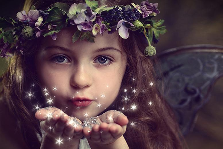 £10 instead of up to £149 for a fairy or woodland photoshoot for one child including a photo mug and two keyrings at Mackney Photography - save up to 93%