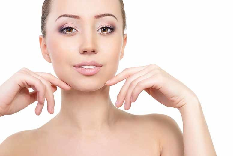 £19 instead of up to £95 for a non-surgical double chin and jawline 'lift', £49 for three sessions at Body Perfect London, Fulham - save up to 80%