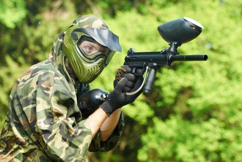 £4.99 for a paintballing day for up to five people including 100 balls each, £9 for up to 10 or £17 for up to 20 - choose from 21 UK locations and save up to 92%