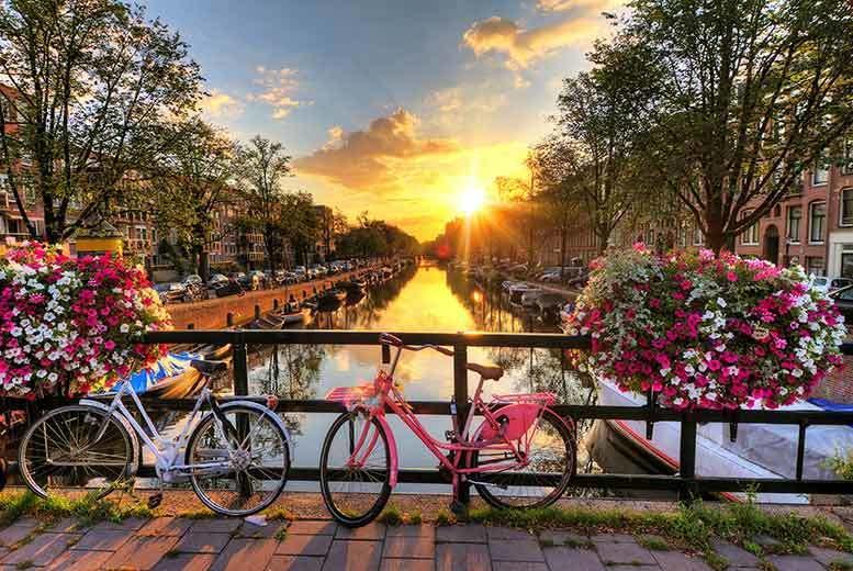 2-3nt Amsterdam Break with Flights & Breakfast
