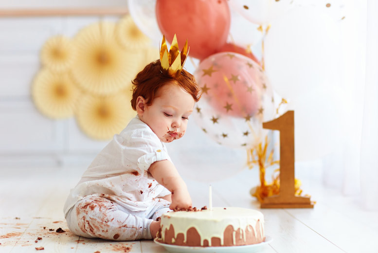 Edinburgh: Cake Smash Photoshoot, Prints & Keyring @ Nicola Bald Photography, Edinburgh from £9