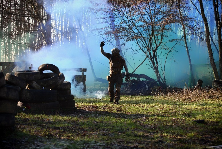 Surrey: Paintball Day for 10 from £10
