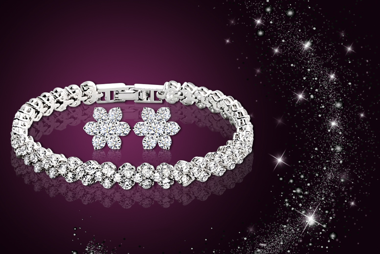 £9 instead of £65 (from Elle and Be) for a snowflake bracelet and earrings set made with Swarovski Elements - save 86%