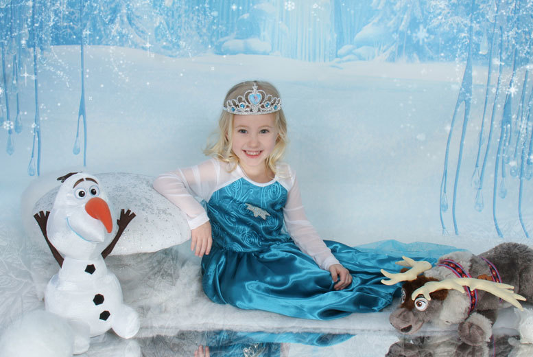 £9 instead of £65 for a kids\' Frozen-inspired ice princess photoshoot and one print with Ice Princess Photos, Hornchurch - save a cool 86%