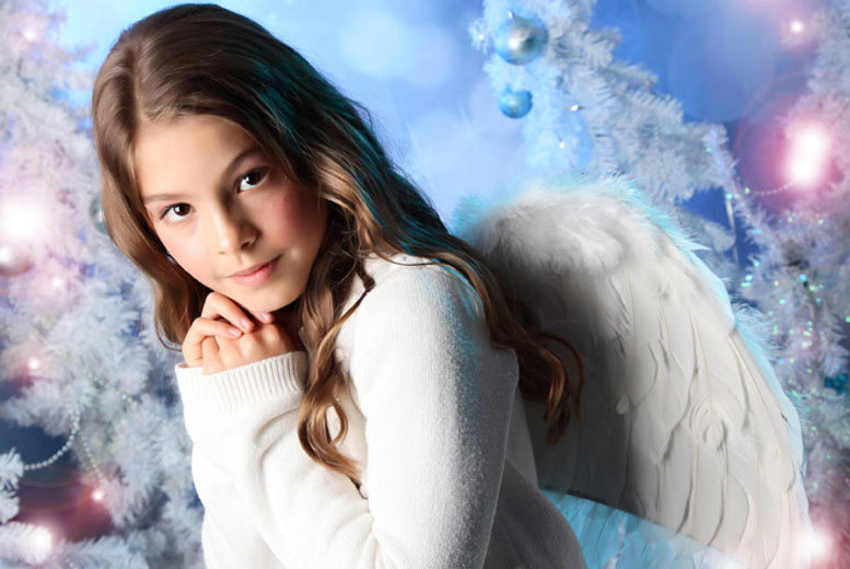 £9 instead of £70 for a snow angel photoshoot for up to four kids including a snow globe and two prints at Wink Photography, Birmingham or Stratford-Upon-Avon - save 87%