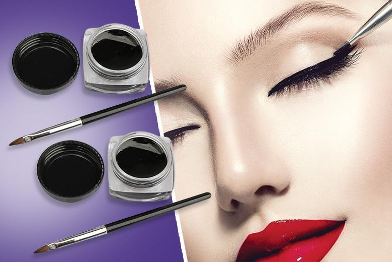 £5.99 instead of £39.98 (from Quick Style) for two waterproof gel eyeliners and two makeup brushes - save 85%