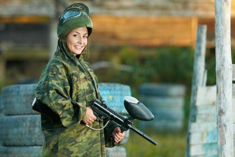 £5 for a day of paintballing for up to five people including breakfast, lunch and 100 paintballs, or £9 for 10 people at Point Blank Paintball - save up to 95%