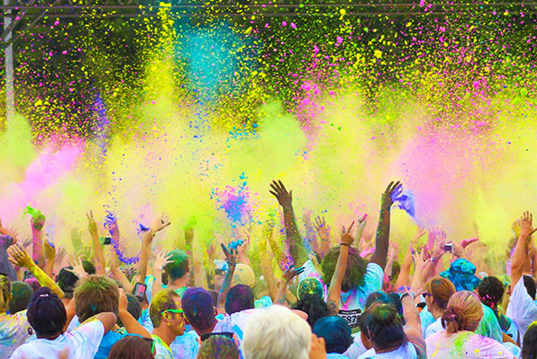 £15 instead of up to £29 for an early bird ticket to a 5K Color Vibe run, official t-shirt and colour pack - choose from four fab locations and save up to 48%