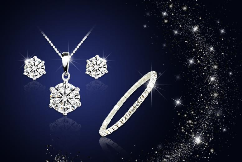 £8 instead of £129 (from Your Ideal Gift) for an 18k white gold-plated solitaire tri set made with Swarovski Elements -  sparkle and save 94%