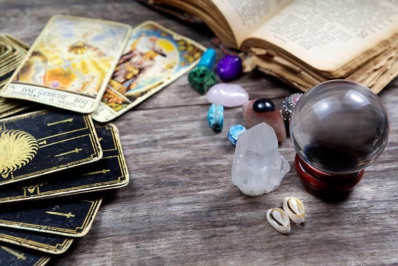 Lincolnshire: 30min Intuitive Tarot Card Reading from £9