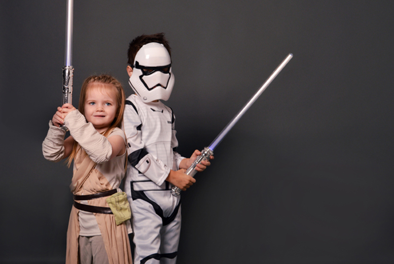 £7.50 instead of £125 for a one-hour \'Star Wars: The Force Awakens\' photoshoot for kids with a 10\
