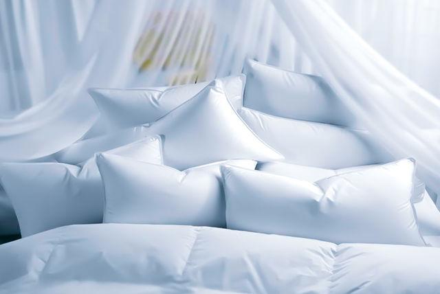 4-feather-pillows