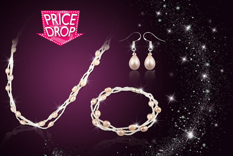 £9.99 instead of £139 (from Your Ideal Gift) for a three-piece pink freshwater pearl set - save 93%