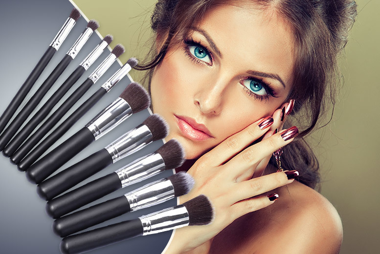 £7.99 instead of £49.99 (from Quick Style) for a 10-piece kabuki style makeup brush set - save 84%