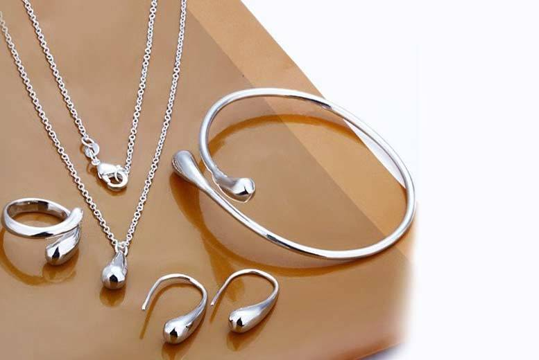 £9 instead of £99.99 (from Alvi's Fashion) for a four-piece silver-plated jewellery set - save 91%