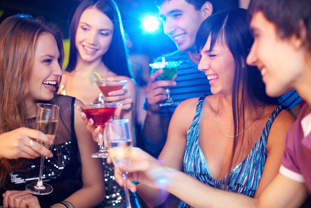 £14 for a 30-day Simply Mingling online membership + VIP club night entry with queue jump, glass of bubbly and buffet with Simply Mingling - save 63%