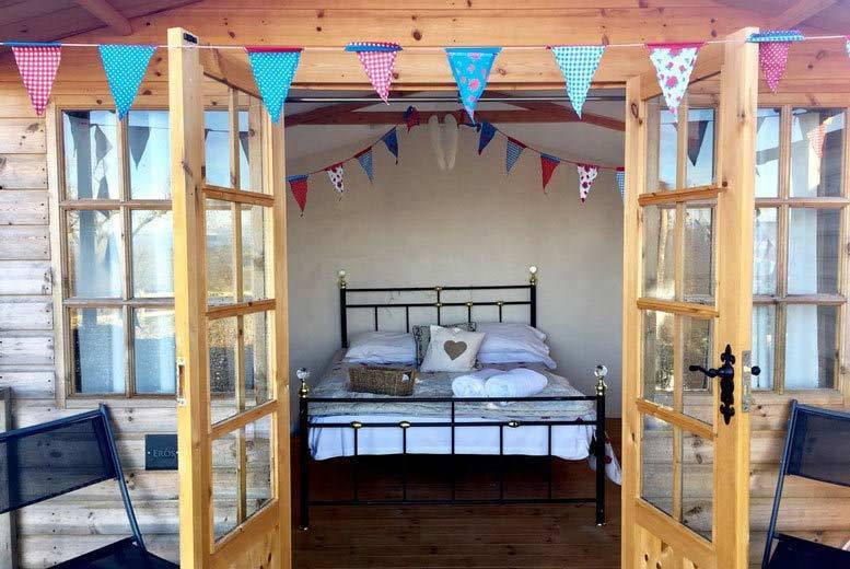 Birmingham: Shropshire Glamping, Afternoon Tea, Cocktail & Hot Tub for 2 @ Abel's Harp from £59