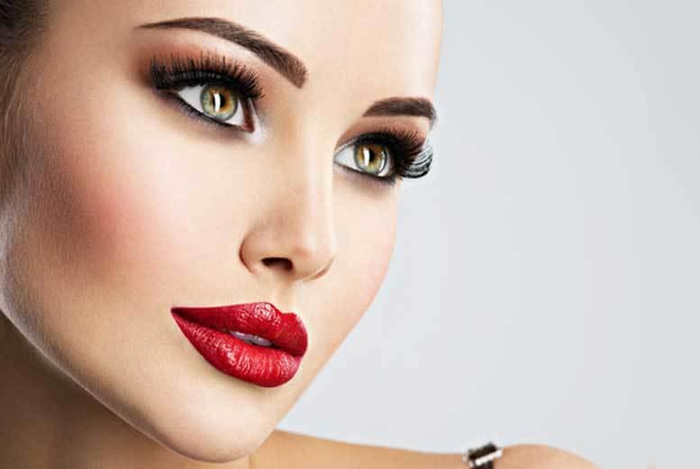London:Full Set of Mink Eyelash Extensions for £19