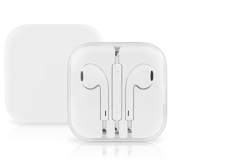 £7.99 instead of £24.99 (from SA Products) for a pair of Apple™ EarPod earphones with built-in remote - save a sonic 68%