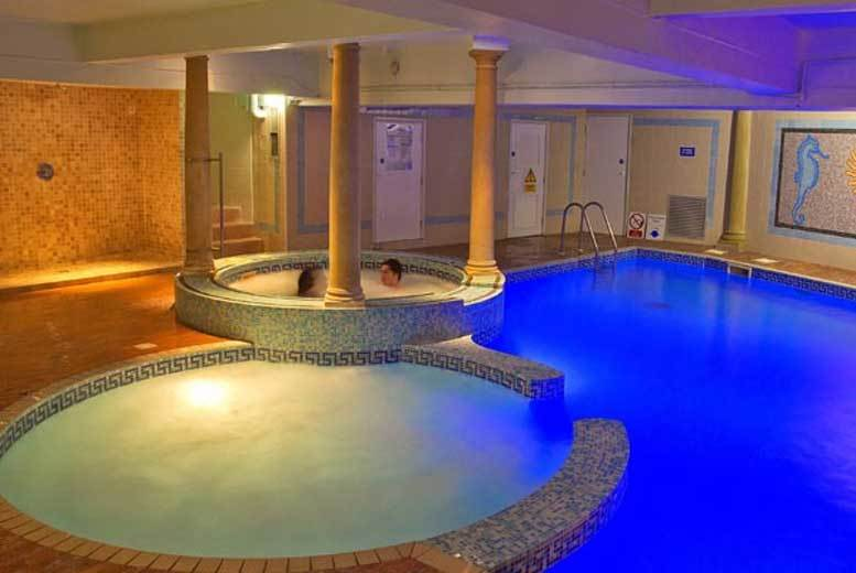 London: Spa Retreat & Lunch for 2 – 5 Locations! for £44