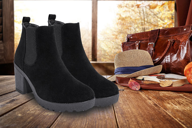 Chelsea Ankle Boots – UK Sizes 3-8! for £12.99