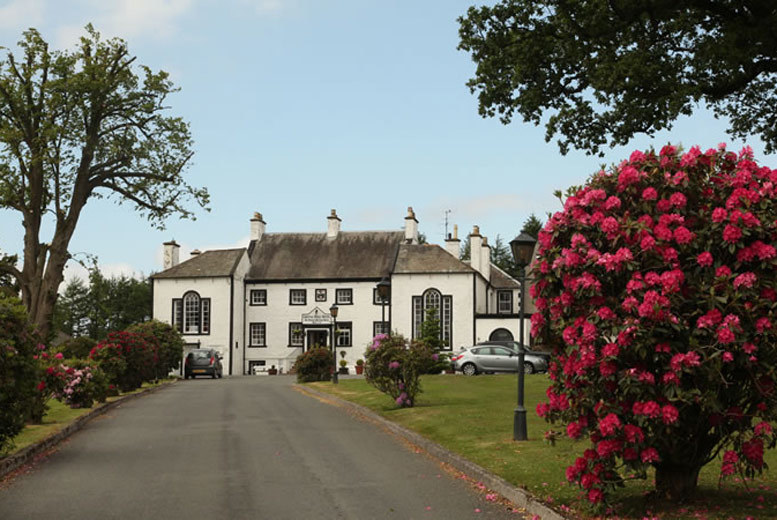 Newcastle: Gretna Green Overnight Stay, Dinner, Breakfast & Late Checkout for 2 for £84