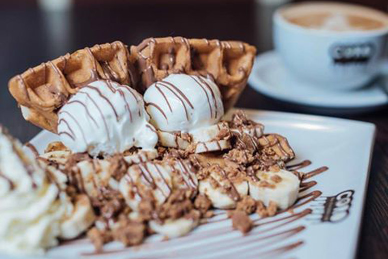 Glasgow: Waffles or Fondue & Hot Chocolate for 2 @ Coro The Chocolate Cafe, Glasgow for £10