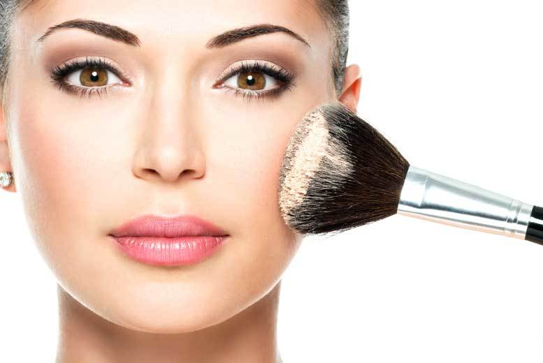 Essex: 3hr Makeup Masterclass & Goody Bag for 1 or 2, Brentwood from £19
