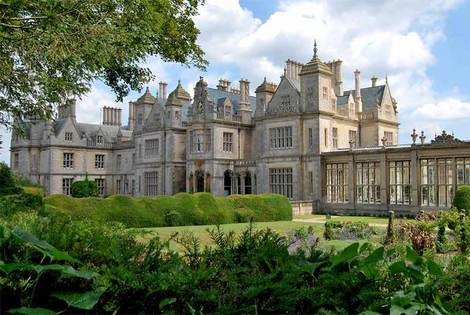 £99 for a two-night stay for two with breakfast and leisure access at Stoke Rochford Hall, Grantham, from Buyagift!